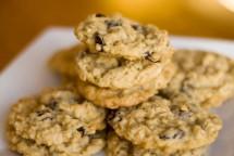 Crunchy Black Raisin Cookies Recipe