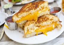 Cheesy Onion Grilled Sandwich Recipe
