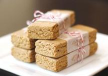 Peanut Butter and Chocolate Oatmeal Bars Recipe