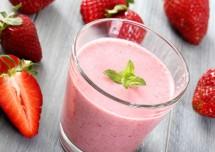 Strawberry Smoothie with Yogurt Recipe