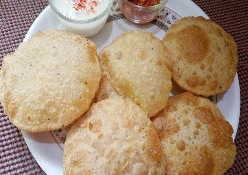 Spicy Urad Dal Puri Recipe | Yummyfoodrecipes.in