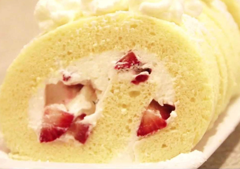 Strawberry Jelly Cake Roll Recipe