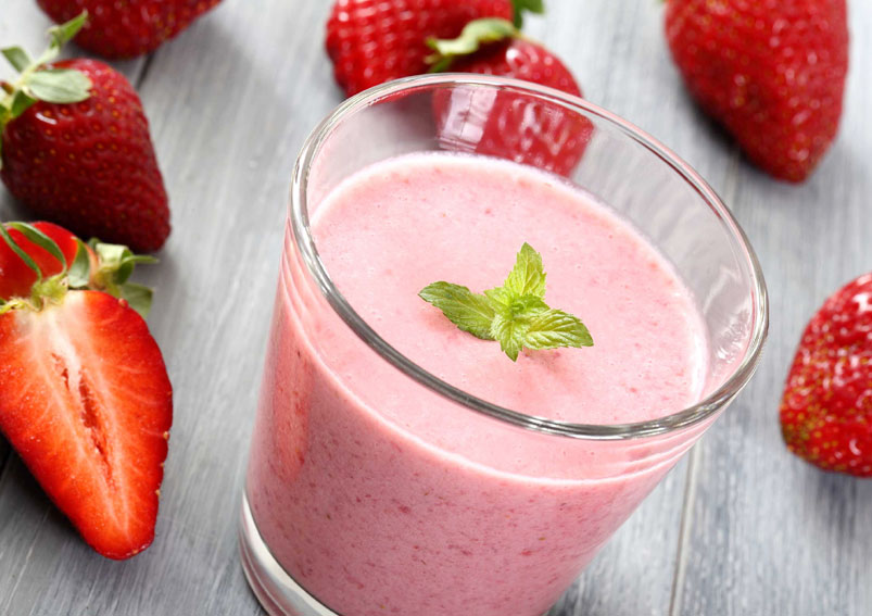Strawberry Smoothie with Yogurt Recipe