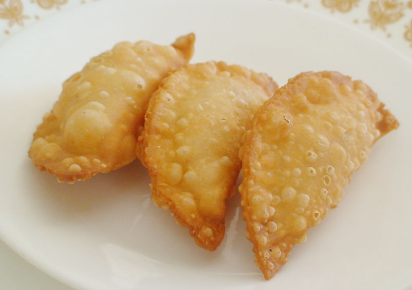 Andhra simple kajjikayalu recipe indian food recipes tasty bellam kajjikayalu recipe gujiya recipe forumfinder Choice Image